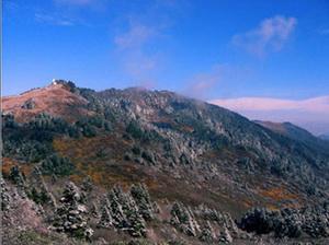 Shennong Peak (神农顶)