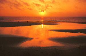 Tawan Golden Sand Beach