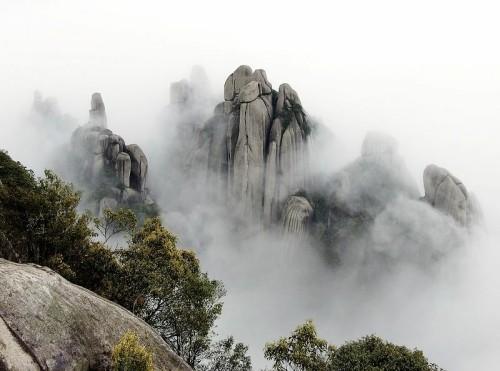 Taimu Mountain Caves