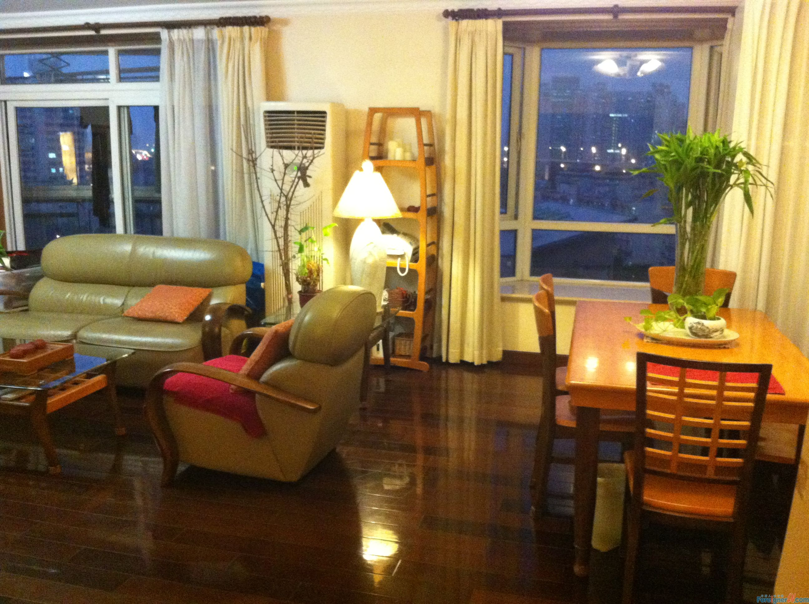 shanghai, modern 2br flat in classic area to share