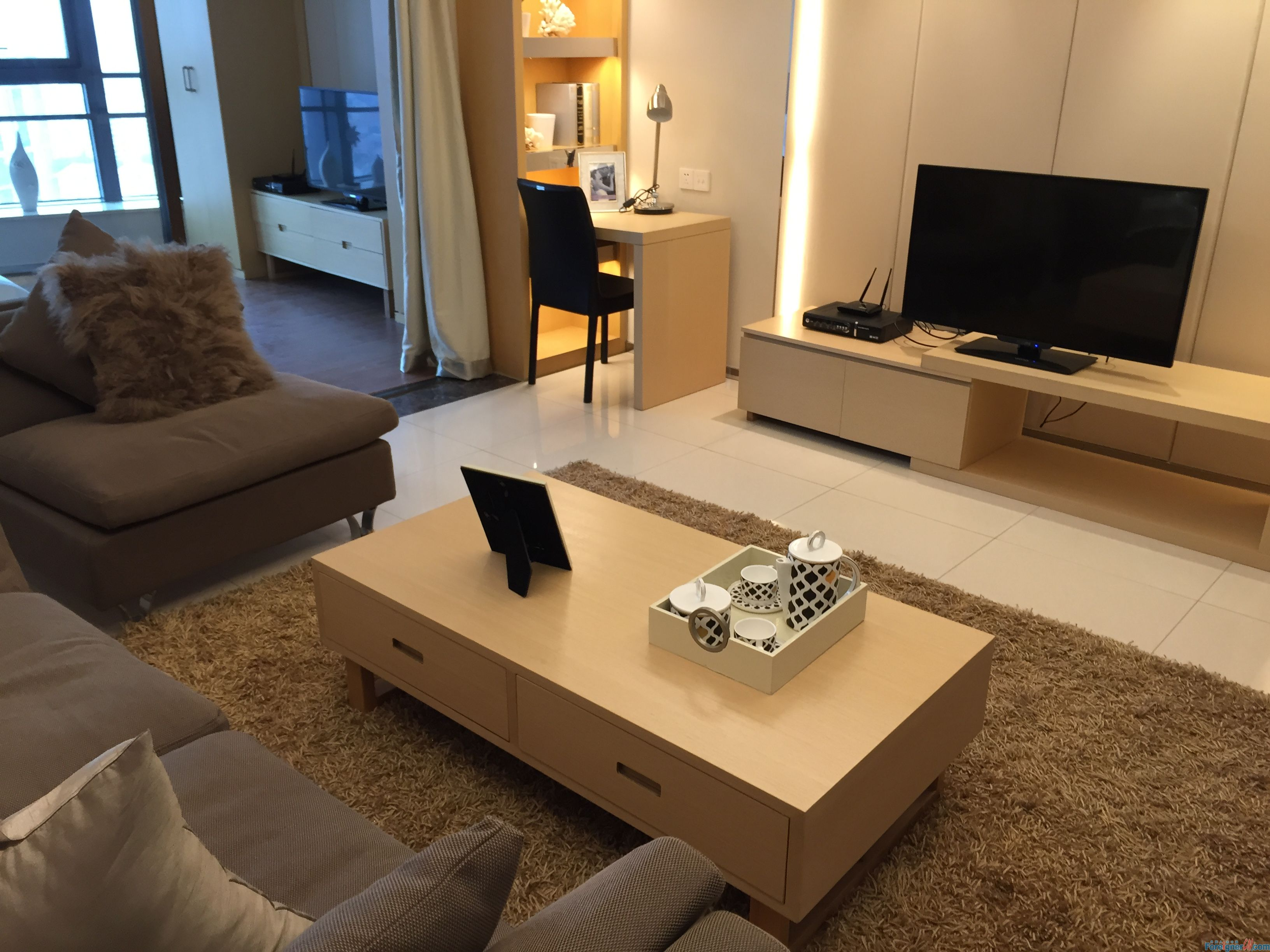 Phoenix apartment ,1seperated bedroom, brand new, modern furniture,xinghai square