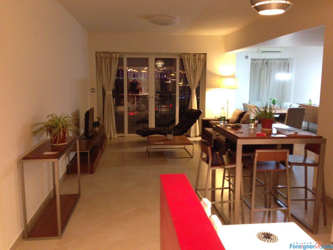 Renovated apt with modern furniture super nice view to Canton tower In Liede