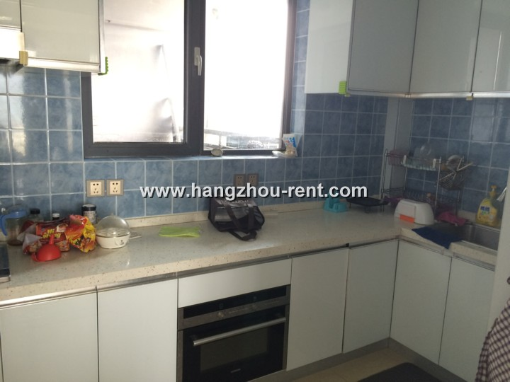 Beyond City with Spacious Room and Nice Riverview for Rent in Hangzhou