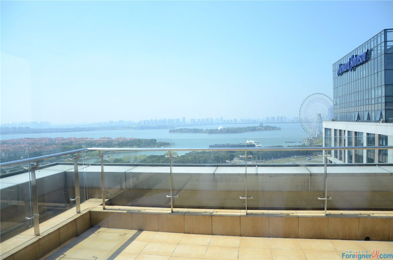 Jinhope apartment,duplex 3br+3baths,all facing the lake,with big balcony for BBQ,