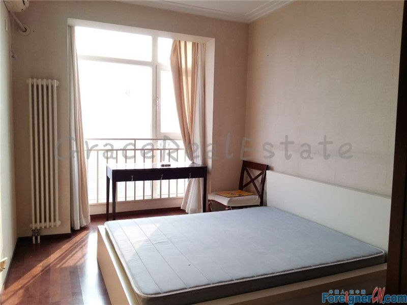 2bedrooms available in Crystal apartment(晶都国际). 2 mins walking distance from the subway.