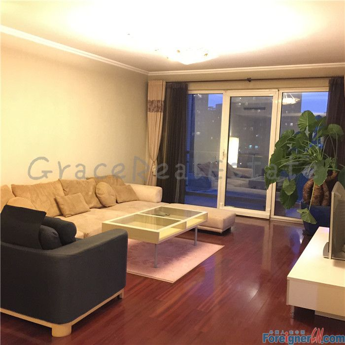 very nice 3br for rent in Richmond Park(丽都水岸),150sqm,2bathrooms,only rent for 17500rmb per month,lido area.