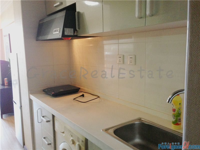 Nice apartment for rent in Crystal Apartment ,3minutes walk to subway line 14 (jiantai station ) lido ,jiuxianqiao area.