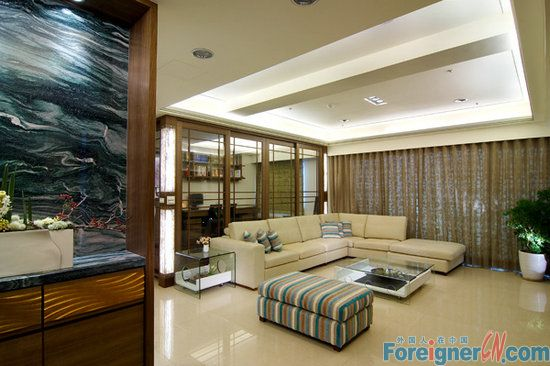 four seasons garden/xinghai square/4 big rooms, ideal for family /big balcony