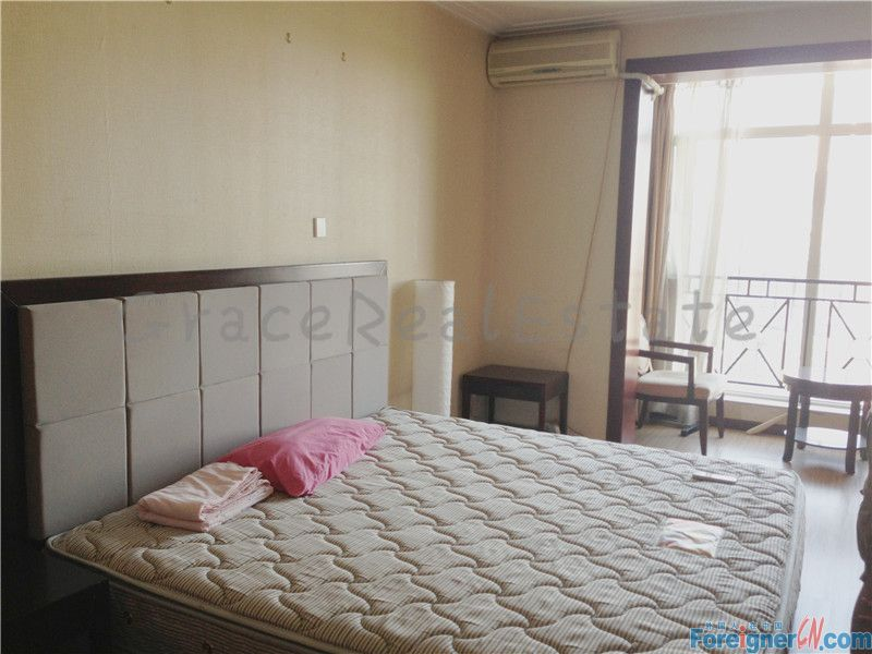 nice studio for rent,real pictures,5800rmb/month,in Crystal international apartment (晶都国际)next to indigo shopping mall,lido area