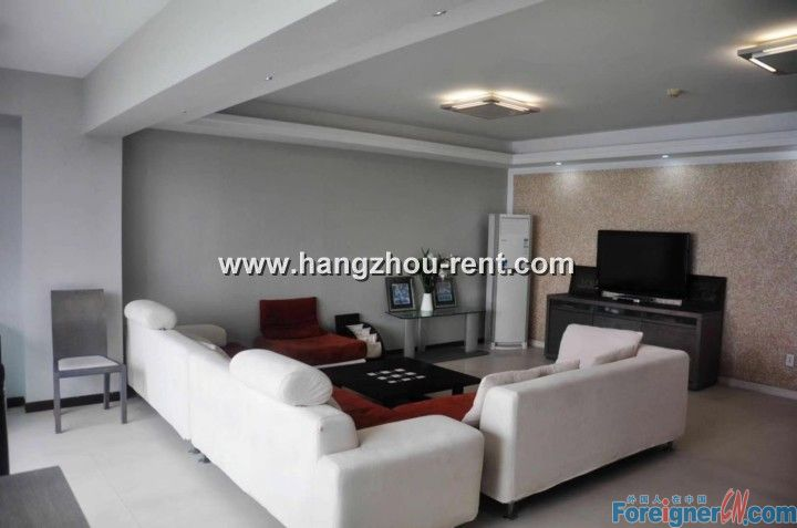 River view three bedrooms apartment in Binjiang nearby Powelong City for rent
