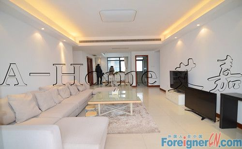 East lake, 2090sqm, 4br 2baths, modern furnishings, good condition, nice quiet compound,close to metro