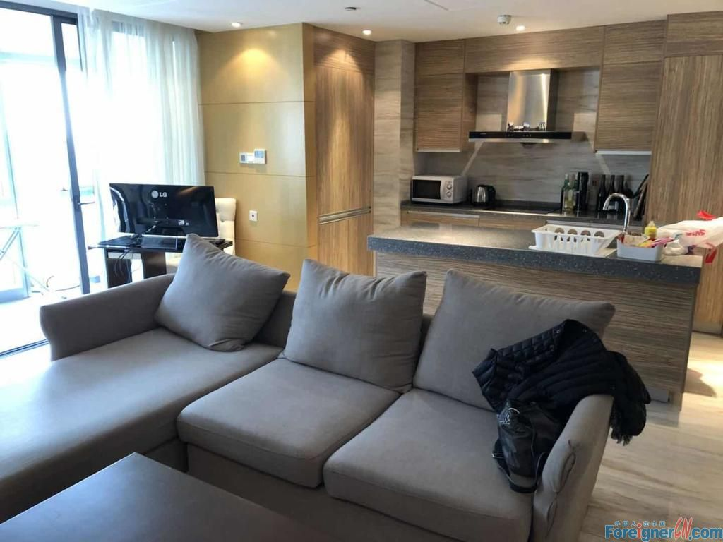 Close to suzhou center mall, 155sqm ,2br 2baths, nice lakeview