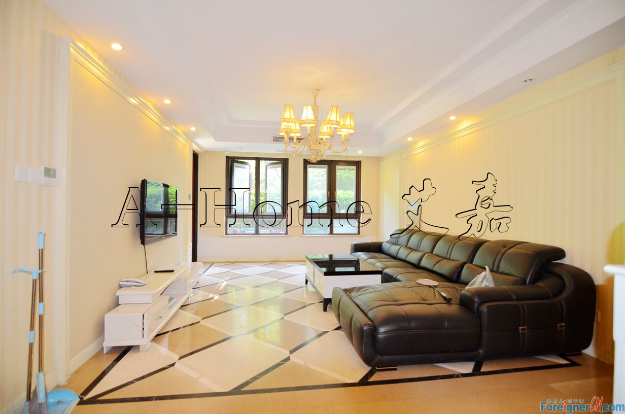1st Floor/ yard+basement/6rooms apt for rent near SSIS, dulwich,modern funiture