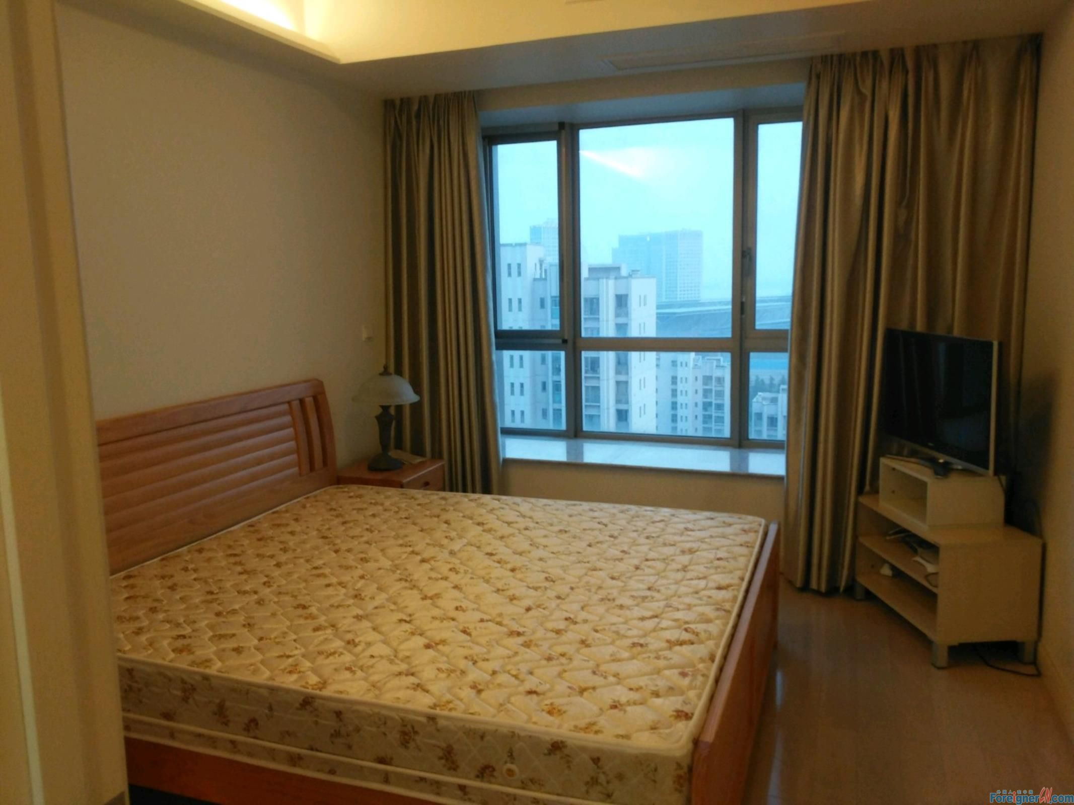 Nearby Jinji Lake -Expat compound -Times Square-Floor heating