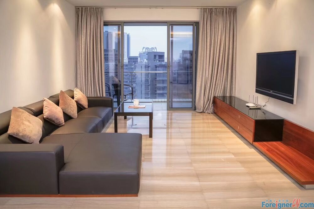 J-Living-nice 3brs in liede of CBD area,nearby the gym,swimming pool etc,walking 7mins to metro station,brand new,high floor,facing garden,good condition.[have key]