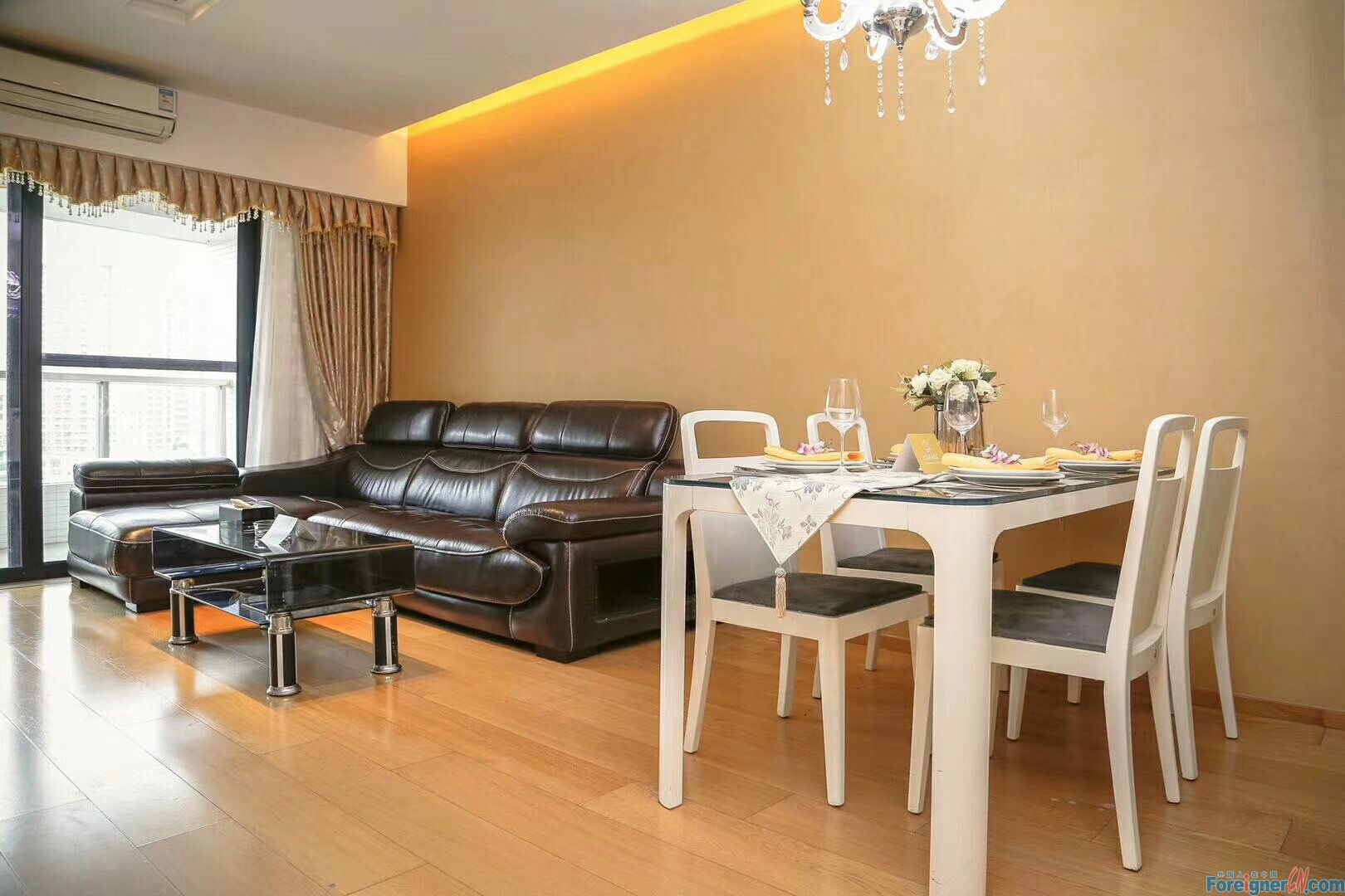Starry Winking-nice 2brs in ZJNT of CBD area,real 2brs,morden decorate,high floor,facing sourth,nearby the metro station,gym,swimming pool etc.good conditon.