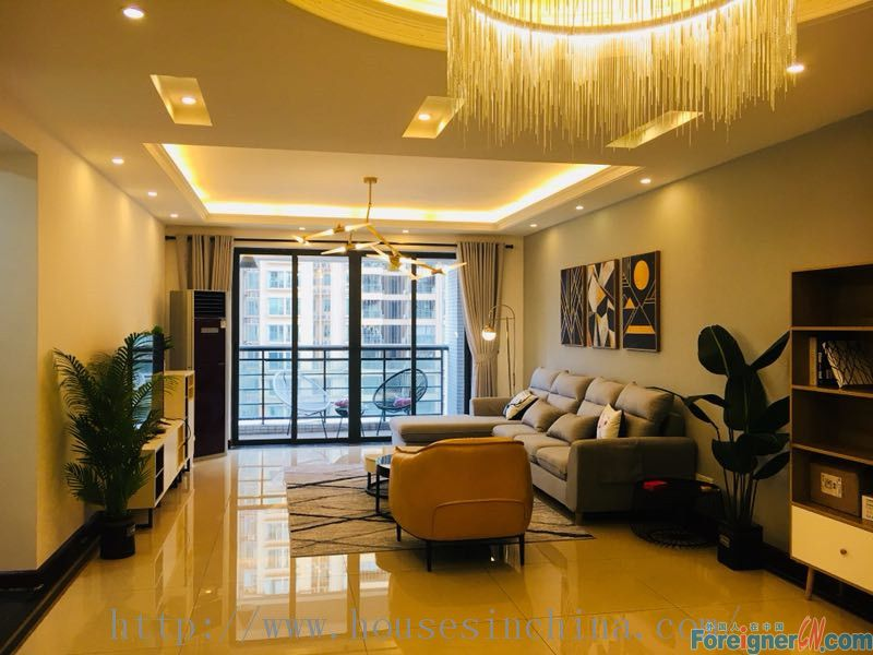 W Apartment-morden 3brs,brand new,fully furnished,luxurious,nearby the metro station.Newlife Real Estate now starts a coupon activity.