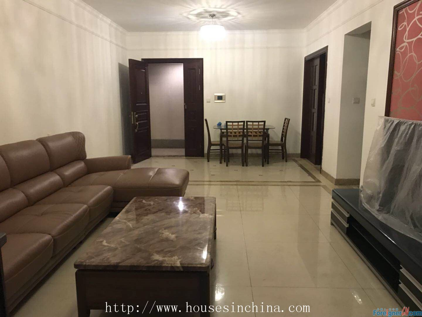 Top View International Aprt., 3Br, clean and tidy, quietly, facing garden and south, Overlooking Pearl River and Zhu Jiang Park. Newlife Real Estate now starts a coupon activity.