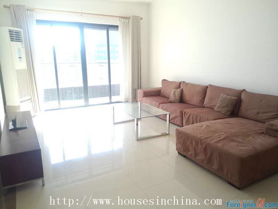 Lingfeng Garden Apartment-3Br, Hotel-style management, clean and simple, facing south, 5mins walk to line5 liede metro.