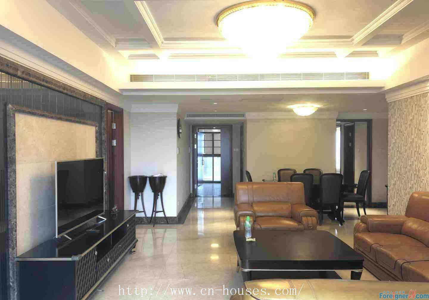 JiaYu Mansion Apartment-3Br, 200Ssqm, High-spacious living room, comfortable&the sunshine is abundant.