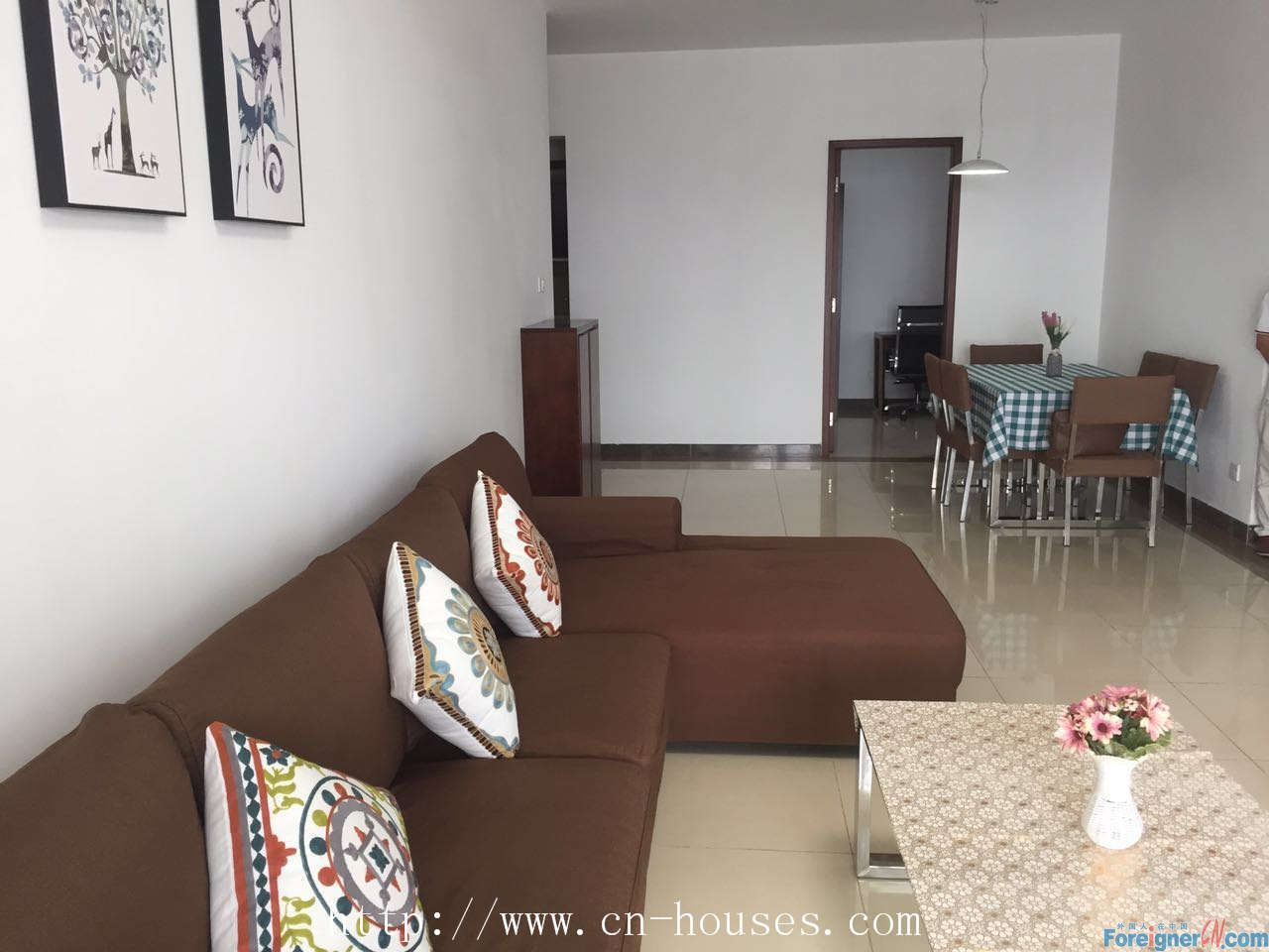 The most economical and practical three bedrooms in Zhujiang New Town, Hotel - style management, clean and simple.