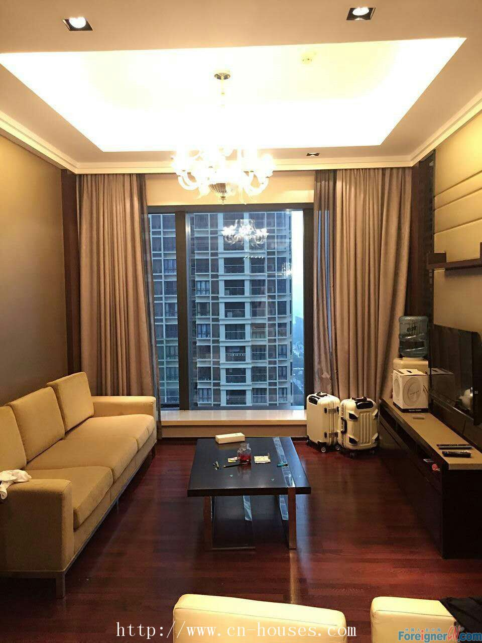 modern single room,six stars hotel in Guangzhou,to the Liede metro station takes only 5-10 minutes on foot.
