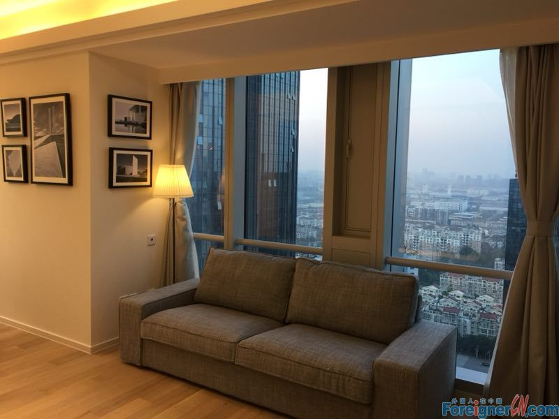 Nice 2 bedroom apartment for rent near sbuway line 1,new compound