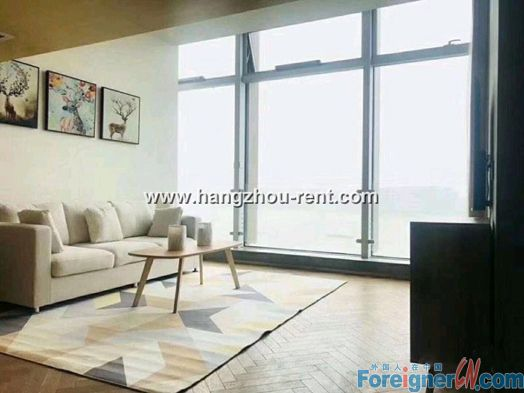 2 Bedrooms Apartment with Fantastic River View For Rent
