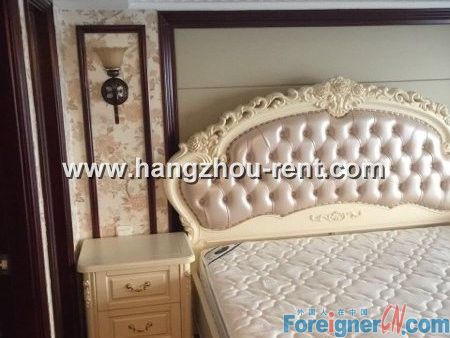 THREE BEDROOMS APARTMENT NEARBY JIANG LING ROAD STATION FOR RENT