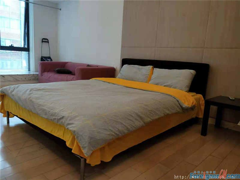morden big studio,fully furnished,clean and nice,good location, 5mins walking to Zhujiang New Town Metro station.
