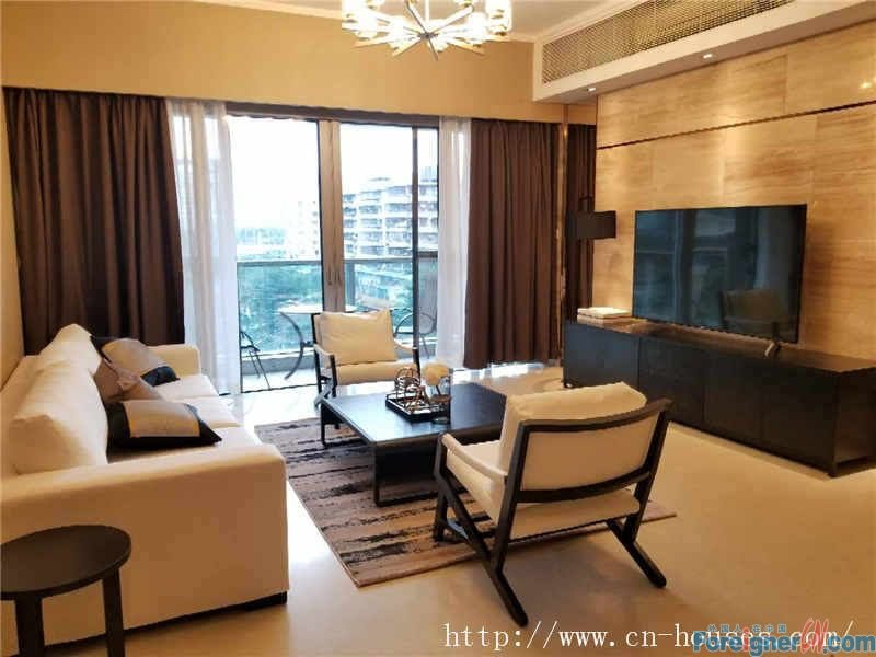 Forest Htlls Apartment-Modern 3Br, luxurious decorate, brand new, high quality, good layout, good condition.