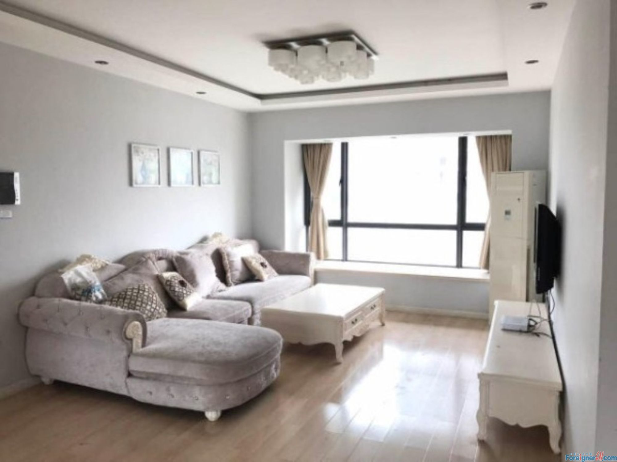 Amazing! Galaxy center-Times Square-2 bedrooms-underfloor heating-lake view-convenient traffic