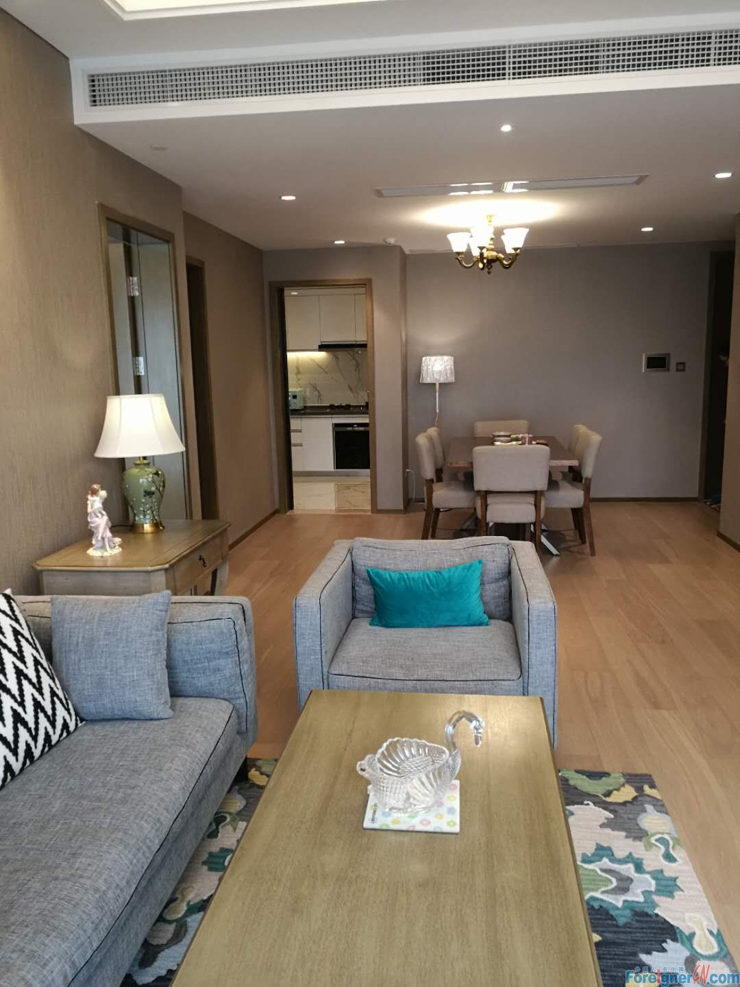 Get it!HLCC Apt-Times Square-3 bedroom-heating-lake view-convenient traffic
