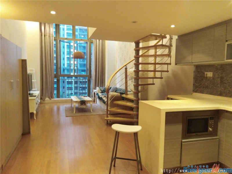 Moon Island Apartment-duplex single room, fully furnished, clean and cozy, near the subway station.