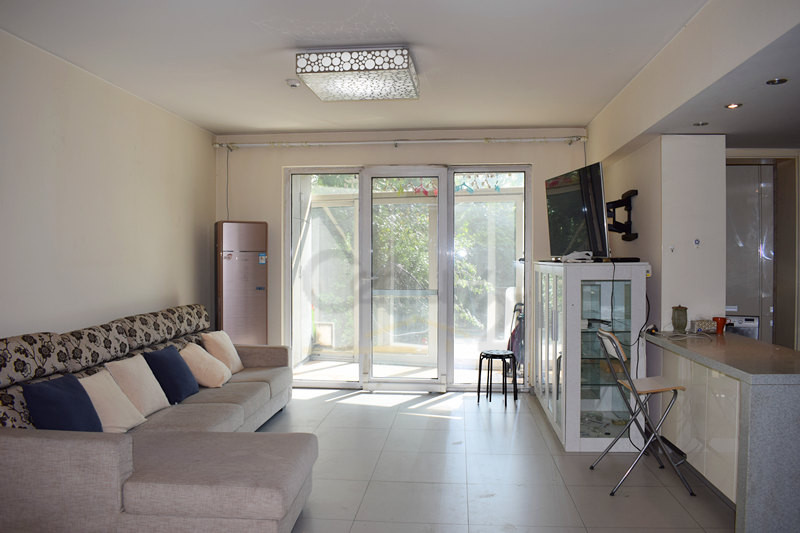 2br with a big garden in rchmond park, lido area