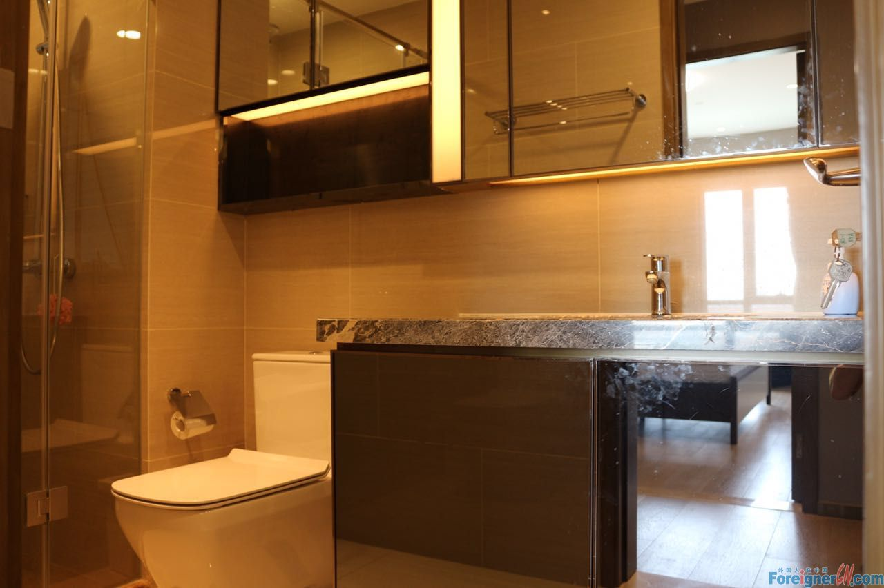 Wow-wow!HLCC Apt-Times Square-2 bedrooms-heating-lake view-convenient traffic