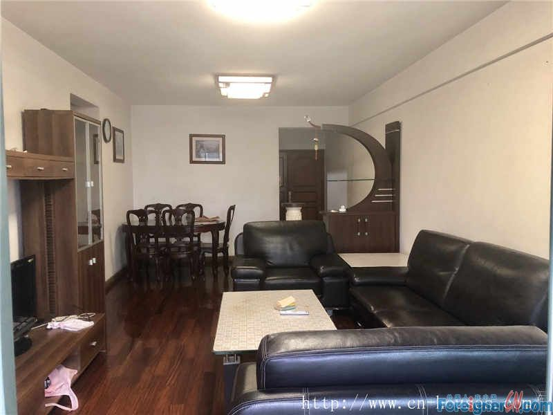 nice 3brs,fully furnished,new decorate,facing garden,wide view.good condition.