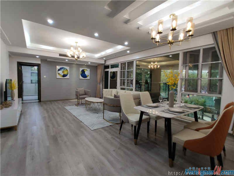 nice 3brs,fully furnished, clean cozy, high floor, new decoration,near the subway station.