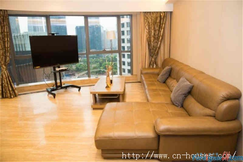 nice big 3brs,fully furnished, clean and cozy, high floor,facing garden, have a good view.