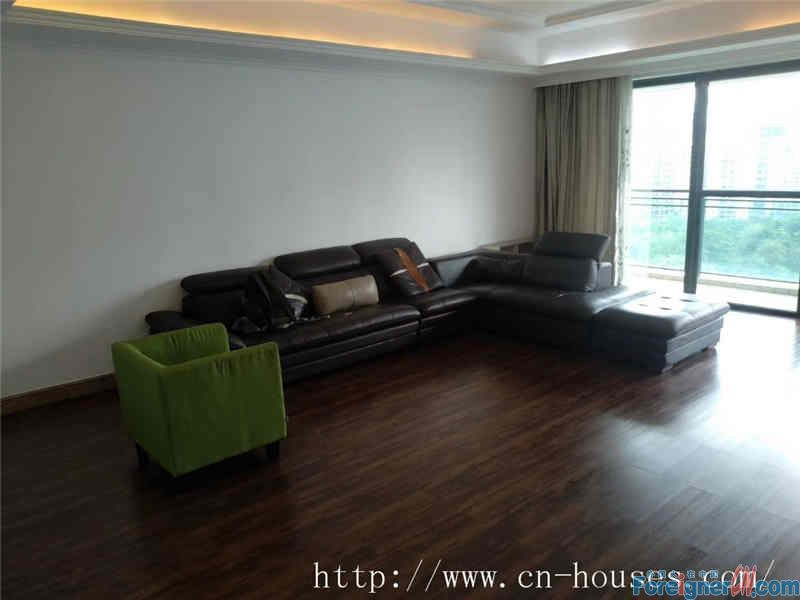 4brs,fully furnished,luxurious,good community environment,suitable for living.