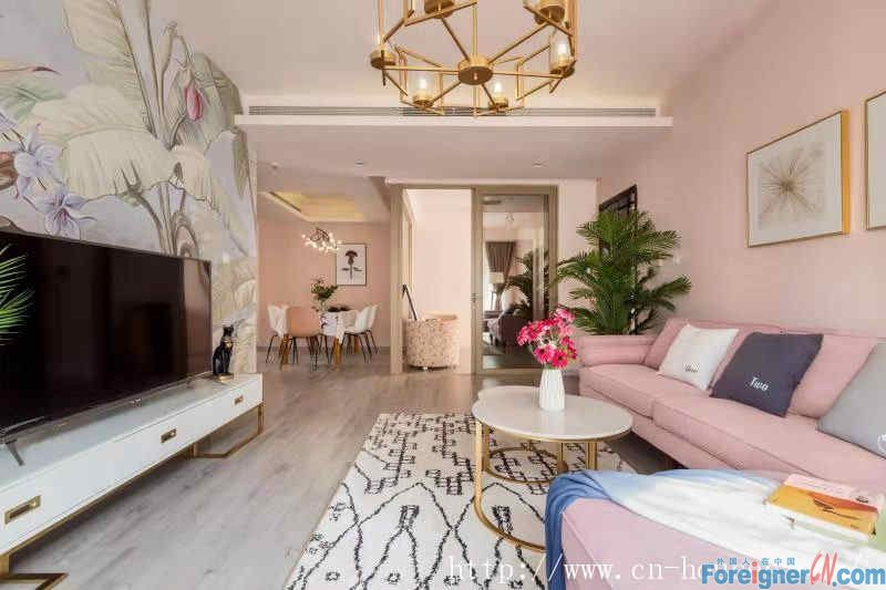 nice 3brs, new decoration,fully furnished, morden style,high floor,good view, near the subway station.