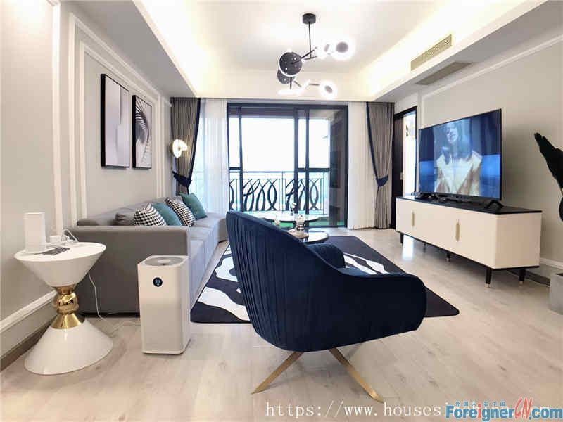 cozy 3brs, new decoration, senior designer design,provides gymnasium, dancing room,Swimming pool etc.