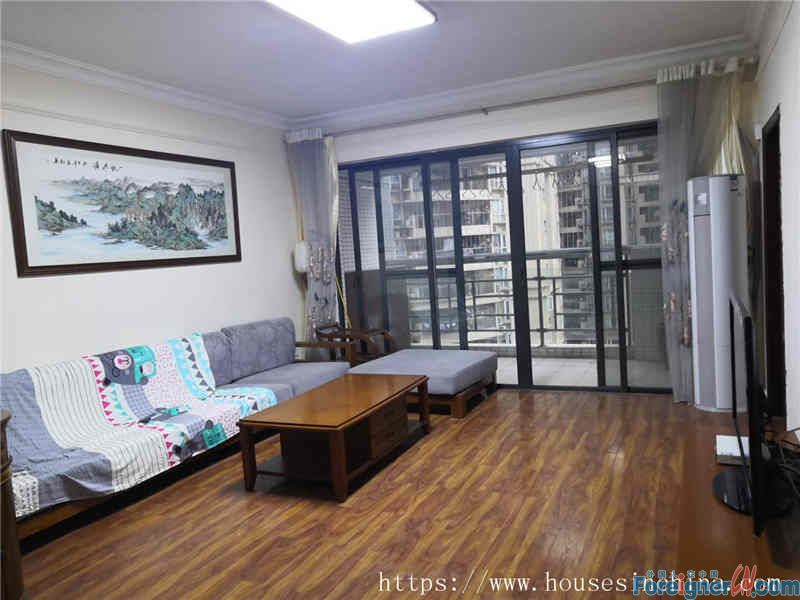nice 3brs, almost new, very clean and bright, good location, convenient, 3mins walk to Line5 Liede Metro station