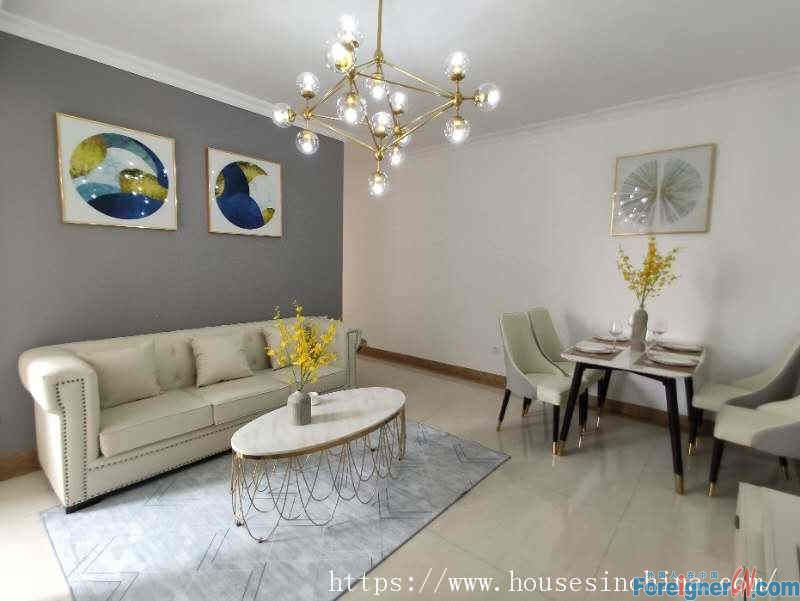 nice 2brs, fully furnished, high floor, wide view, new decoration, nearby the subway station.