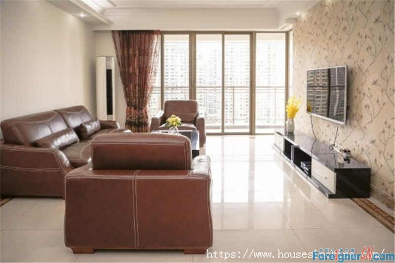 3BR, fully furnished, high floor, wide view, clean and bright, good location, convenient, near subway station.