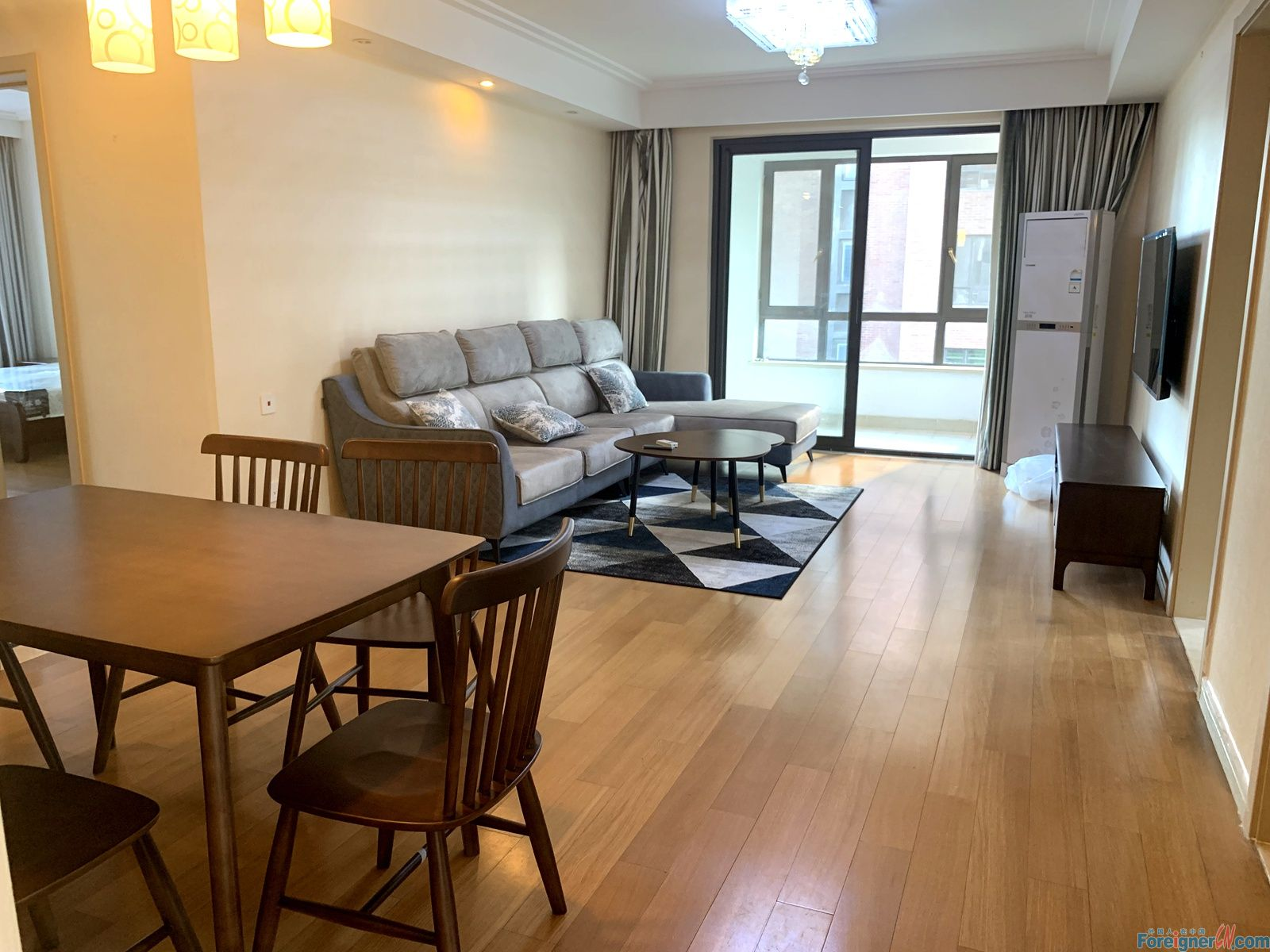 Times City 4br apartment for rent / east side of SIP / next to Metro station