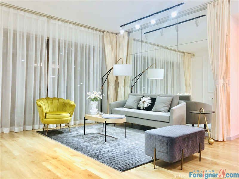 nice 3brs,fully furnished, cozy, high floor, new decoration,near the subway station.