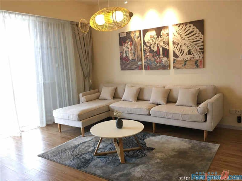 cozy 3brs, new decoration, senior designer design,high floor, wide view, nearby subway station
