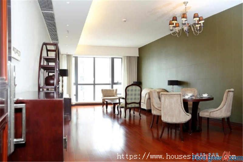 service apartment,fully furnished, high floor, wide view, new decoration, nearby subway station.