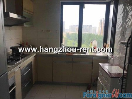 Three Bedrooms Apartment In Chun Jiang Hua Yue For Rent